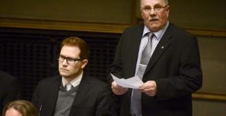 Pentti Oinonen: Talonpojan tappolinjan on loputtava
