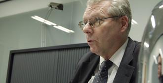 Koskenkylä: Miksi Ranskan presidentti rukoilee eurobondeja