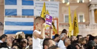 Näkökulma: Kreikkaan valuneet miljardit eivät ole hyödyttäneet kreikkalaisia juuri lainkaan