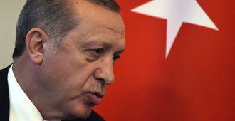 Turkki hyökkää myös netissä: Sensuuria ja nettikirjoittelijoiden pidätyksiä