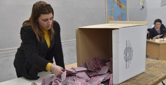 Italian kansanäänestyksen murskaluvut voivat vaikuttaa maan pankkeihin