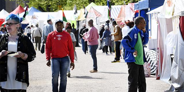 Tutkija Ylioppilaslehdessä: Monikultturisuusajattelu edesauttaa etnisten ryhmien eristäytymistä ja rasismia
