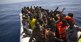 YK antoi sapiskaa Euroopalle – Libyan rannikkovartiosto toi lähes 500 siirtolaista takaisin Libyaan Välimereltä