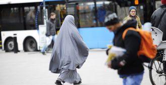Jopa 40 prosenttia väestöstä vieraskielisiä – Helsinki ruotsittuu vauhdilla
