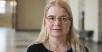 Leena Merestä lakivaliokunnan puheenjohtaja