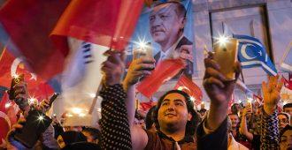 Erdoğan vahvistaa otettaan Turkista – koalitiolle ehdoton enemmistö maan parlamenttiin