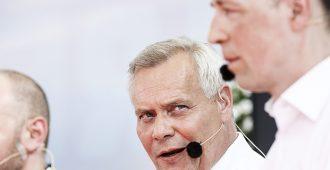 Konsensus-Suomen puoluejohtajat enimmäkseen suvituulella – yksi asiakysymys iski kipinää