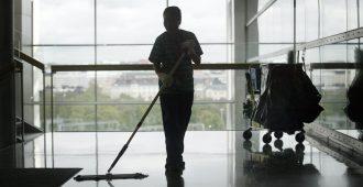 Perussuomalaiset kyselytunnilla: Halpatyövoiman tuominen ulkomailta on todistetusti haitallista – hallitus antaisi jopa laittomasti maassa olevien jäädä työmarkkinoille