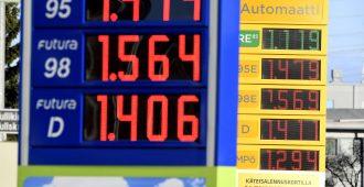 """Halla-aho: Polttoaineiden hinnan nousu ei vaikuta autoilun määrään eikä näin ollen päästöihin – """"Se on pelkkää rahastusta"""""""