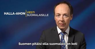 """Halla-ahon viesti jokaiselle suomalaiselle: """"Millainen kansa antaa tämän tapahtua itselleen?"""" (video)"""