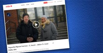 """Jussi Halla-aho pohdiskeli syntyjä syviä Maikkarin Ripsan kanssa: """"Yritän olla toistamatta kaikkia niitä virheitä, joita omat vanhempani tekivät"""""""