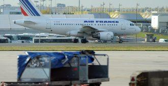 """Sadat laittomat siirtolaiset valtasivat Pariisin lentokentän terminaalin – """"Ranska ei kuulu ranskalaisille"""""""