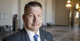 Valtakunnansyyttäjä pyytää eduskunnan suostumusta asettaa kansanedustaja Juha Mäenpää syytteeseen