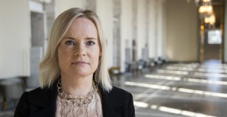 Hallituksen päätös 175 alaikäisen siirtämisestä Suomeen maksaa satoja tuhansia euroja viikossa – Purra: Eurooppaan haluavat ihmiset eivät näin vähene