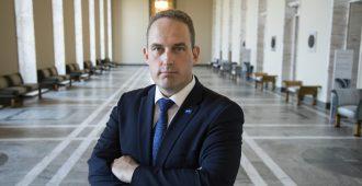 """Hallitus haluaa antaa EU:lle verotusoikeuden – Mäkelä: """"Tässä on kyse peruuttamattomasta vallan siirrosta pois Suomelta ja sen äänioikeutetuilta kansalaisilta"""""""