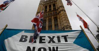 Laaja brittikysely: Yli puolet haluavat brexitin toteutuvan