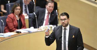 """Jimmie Åkesson: """"Mieletöntä jaella miljardeja muiden maiden kansalaisille – hoidetaan omien asiat ensin"""""""