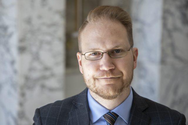 Olli Immonen: Hallitusta kiinnostaa enemmän isisläisten oikeudet kuin suomalaisten...