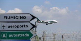 Italia polttanut rahaa mielettömiä määriä Alitaliaan – kansallistaminen lisäisi Italian laskua