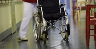 Henkilöstömitoituslaki ei tuo lisää henkilöstöä – vanhustenhoidon parantaminen jää edelleen odotustilaan