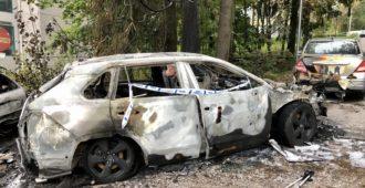 Kolme autoa paloi tiistain vastaisena yönä Helsingin Pohjois-Haagassa