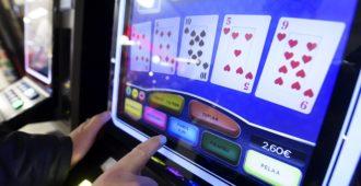 Pokeriammattilainen: Veikkaus haluaa pitää ongelmapelaajien rahat – vaatii maksuestoa ulkomaisille pelisivustoille