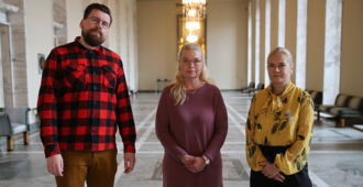 Ympärileikkauskielto etenee eduskunnassa – Perussuomalaiset: pitäisi koskea myös poikia