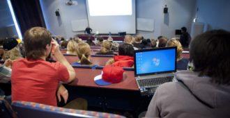 Tutkimus: Yhteiskuntatieteiden opiskelijat haluavat rajoittaa mielipiteenvapautta