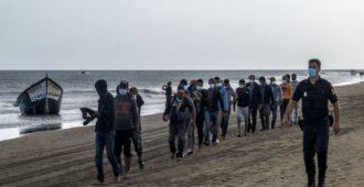 """Koronarajoitukset kampittavat palautuksia Kanariansaarilla – moni tulija pakenee """"maan alle"""""""