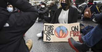Elokapinan emojärjestö Britanniassa kannustaa nyt aktivistejaan jättämään asuntolaina maksamatta