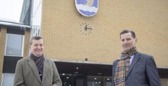 Ökyhankkeet ja omakotitaloasujien verorasituksen kiristäminen olivat liikaa – Vantaan pitkän linjan kuntapoliitikot Weckman ja Virkamäki siirtyivät kokoomuksesta perussuomalaisiin