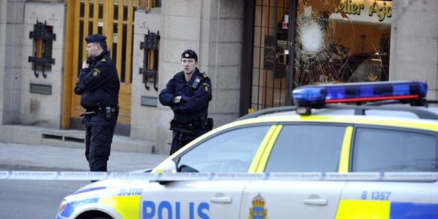 Lähiötodellisuus valtasi Tukholman paraatipaikan – hurjastelu, huumekauppa ja prostituutio peittävät pääkaupungin tunnetuimmat näkymät