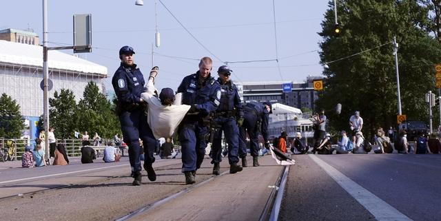Perussuomalaiset: Suomalaisten turvallisuus jää maailmanparantamisen jalkoihin – tällä kertaa poliisien määrä leikkurissa