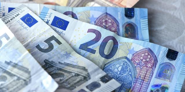 Unohda sähköauto ja etelänmatka – soten seurauksena keskituloinen pariskunta saattaa joutua maksamaan 3 400 euroa lisää veroja vuodessa