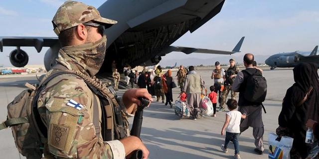 Afganistanista saattaa lähteä vuoden loppuun mennessä puoli miljoonaa pakolaista ja moni heistä suuntaa kohti Eurooppaa
